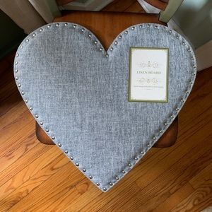 NWT Heart Shaped linen board studs decor